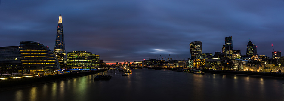 Picture of buildings and the river Thames in London